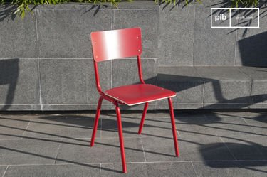 Roter Stuhl Skole