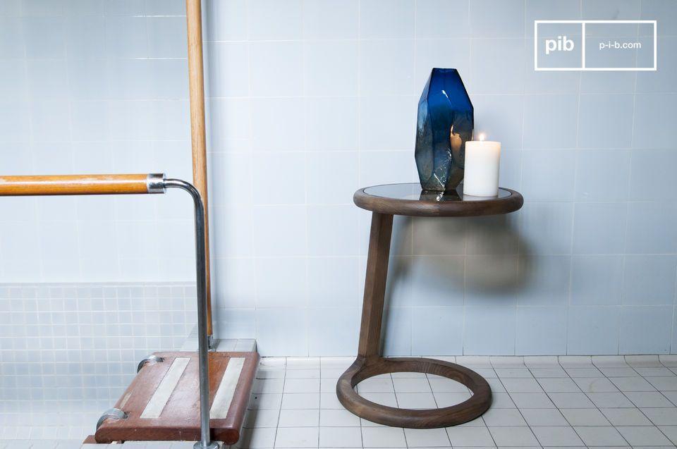 Der Holz-Glas-Akkord in eleganten Vintage-Kurven