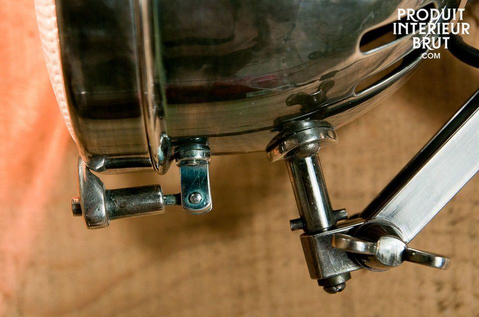 Gut verarbeitete und spielerische Ziehharmonika-Wandleuchte
