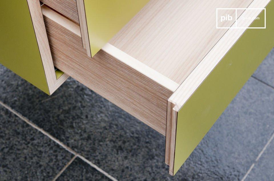 Ein äußerst praktischer Schreibtisch mit zwei Schubfächern