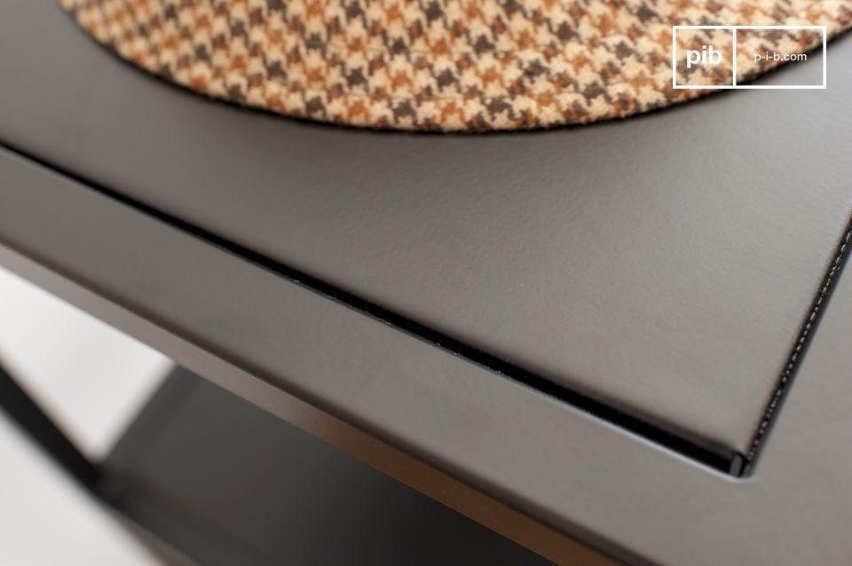 Die Ästhetik der Möbel basiert auf einem raffinierten geometrischen System und der Strukturierung