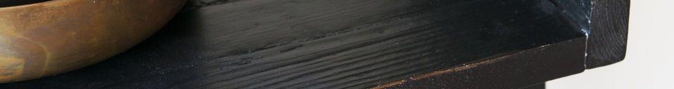 Materialbeschreibung Schwarzes Bücherregal aus Holz im Großformat