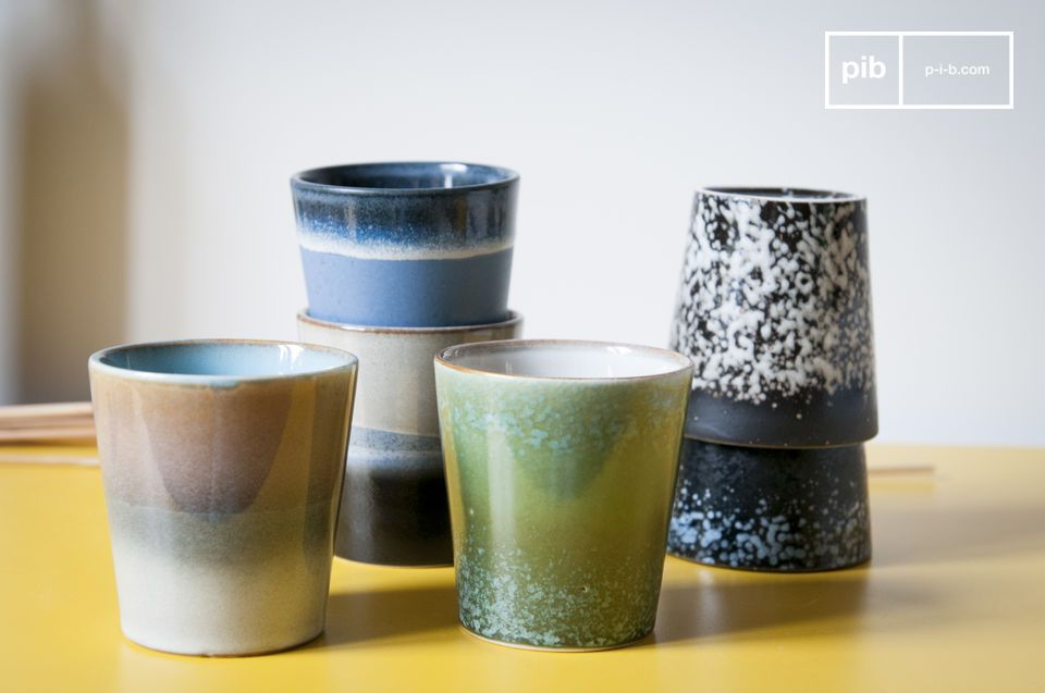 Sechs Keramik Kaffeetassen