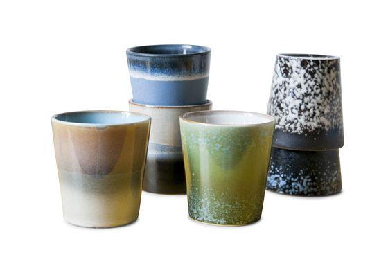 Sechs Keramik Kaffeetassen ohne jede Grenze