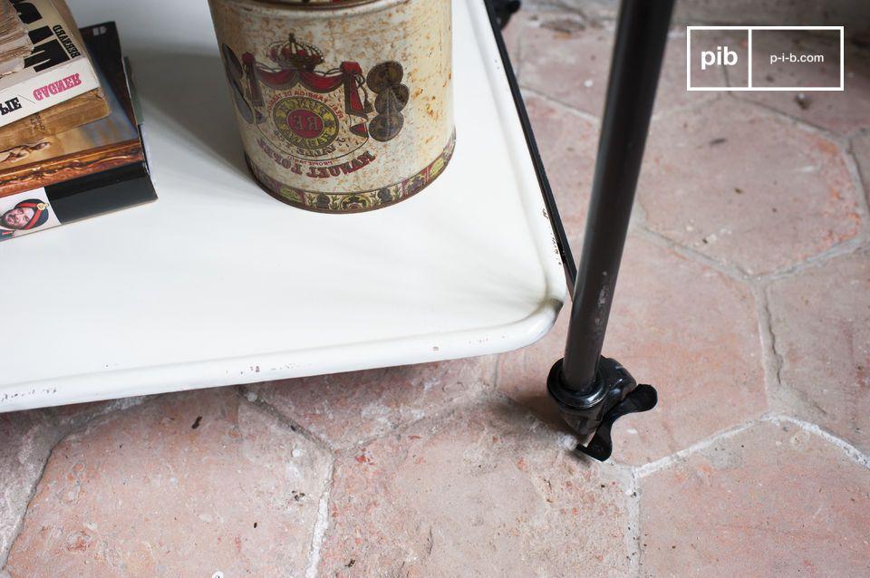 Schwarz, Weiß und Metall für ein praktisches industrielles Möbel