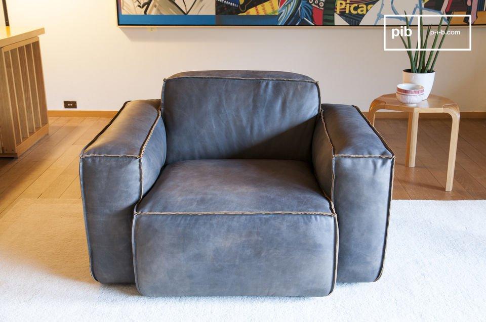 Der Sessel Atsullivan ist ein spezielles Modell mit vollnarbigem Leder