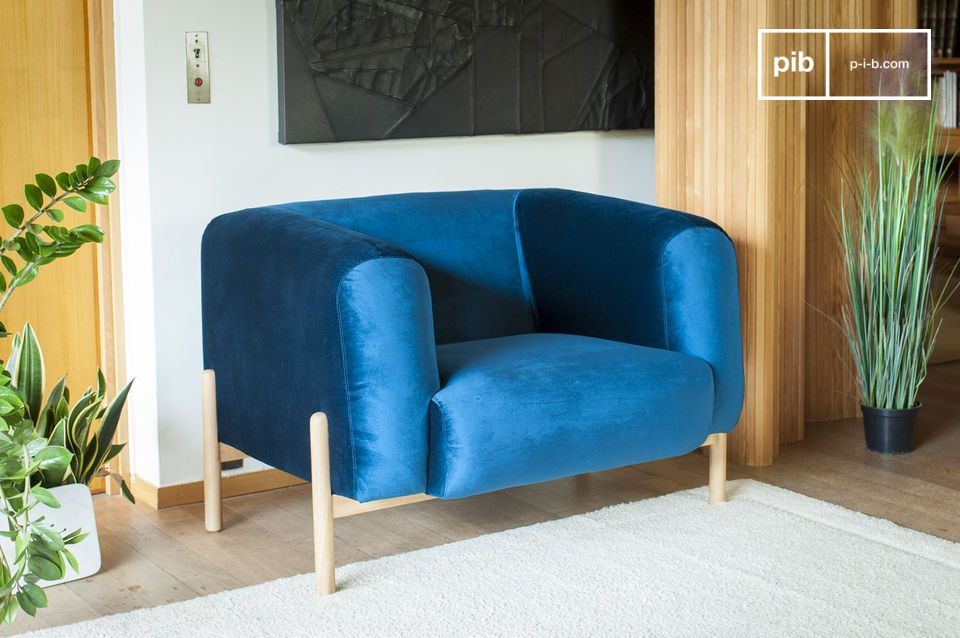 Ein Sessel mit zeitlosem skandinavischem Flair, perfekt für einen Hauch Farbe