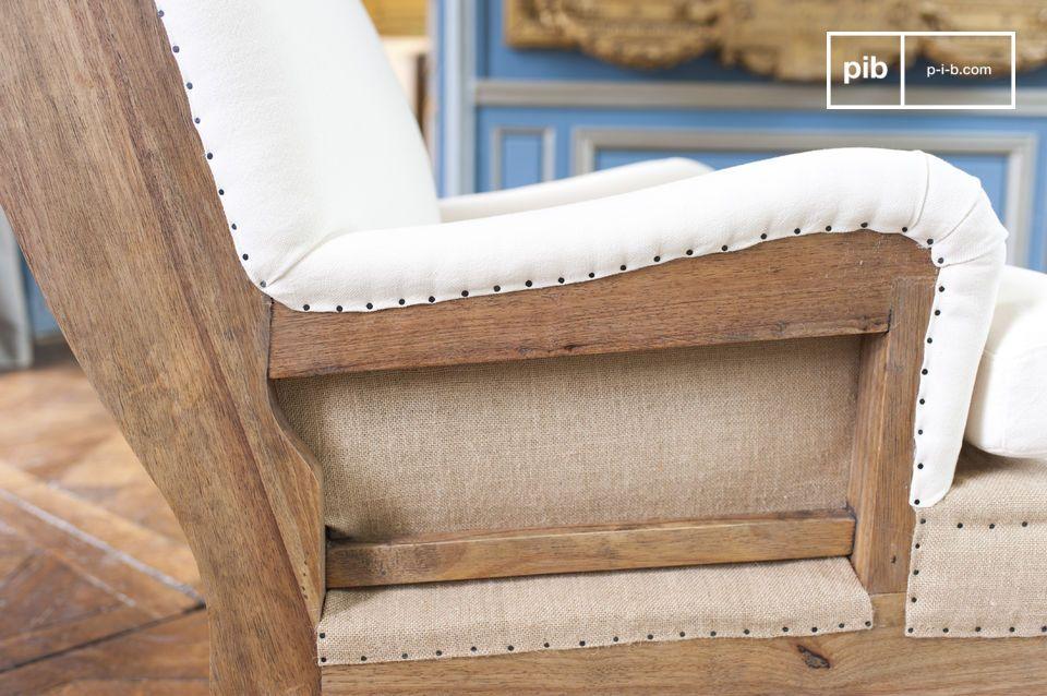 Der Sessel bietet großen Komfort und die Polsterkissen die mit Schaum gefüllt sind sind abziehbar