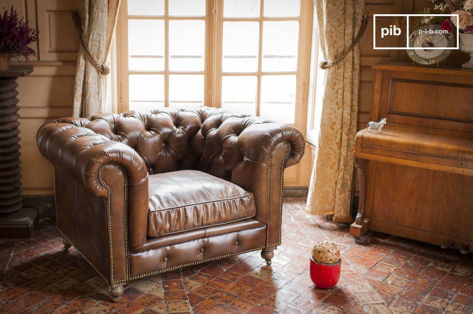 Mit diesem Sessel Chersterfield Saint Paul, kommt der englische Landhausstil auch in Ihr Zuhause