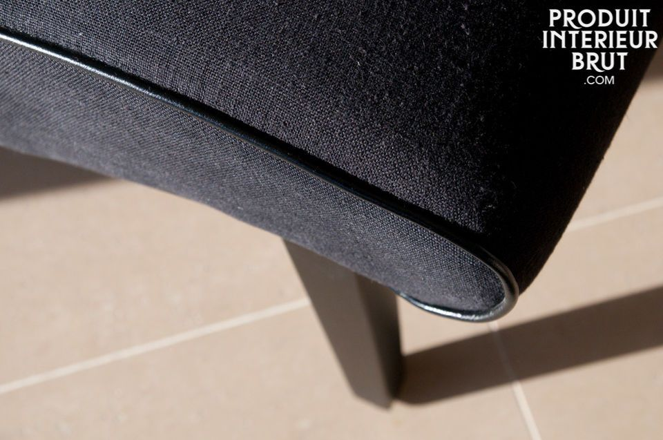 Ein Sessel mit einem 50er, robusten und bequemen Look . Auch in grün verfügbar