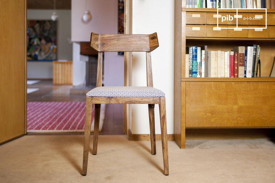 Ein komfortabler und eleganter Designstuhl