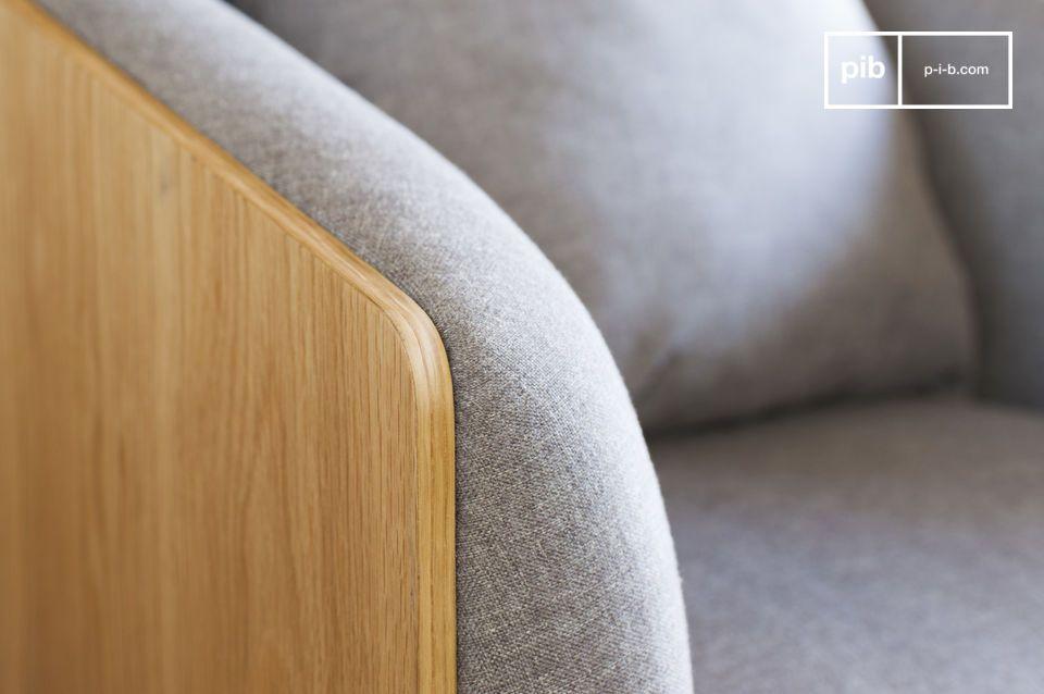 Der Sessel Jackson weist einfache und elegante Formen auf