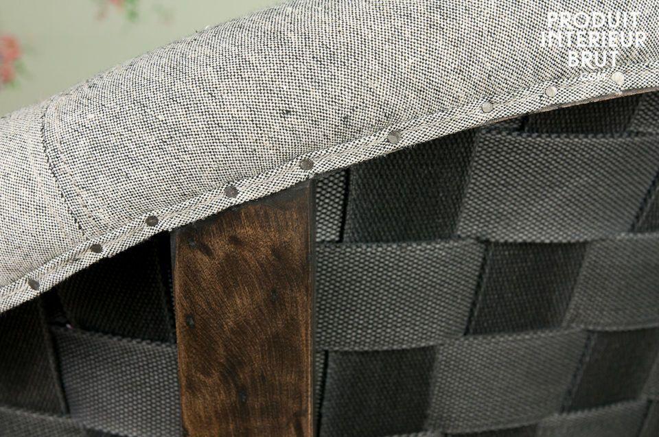 Originell und ganz im Trend liegt die nicht überzogene Rückseite des Sessels
