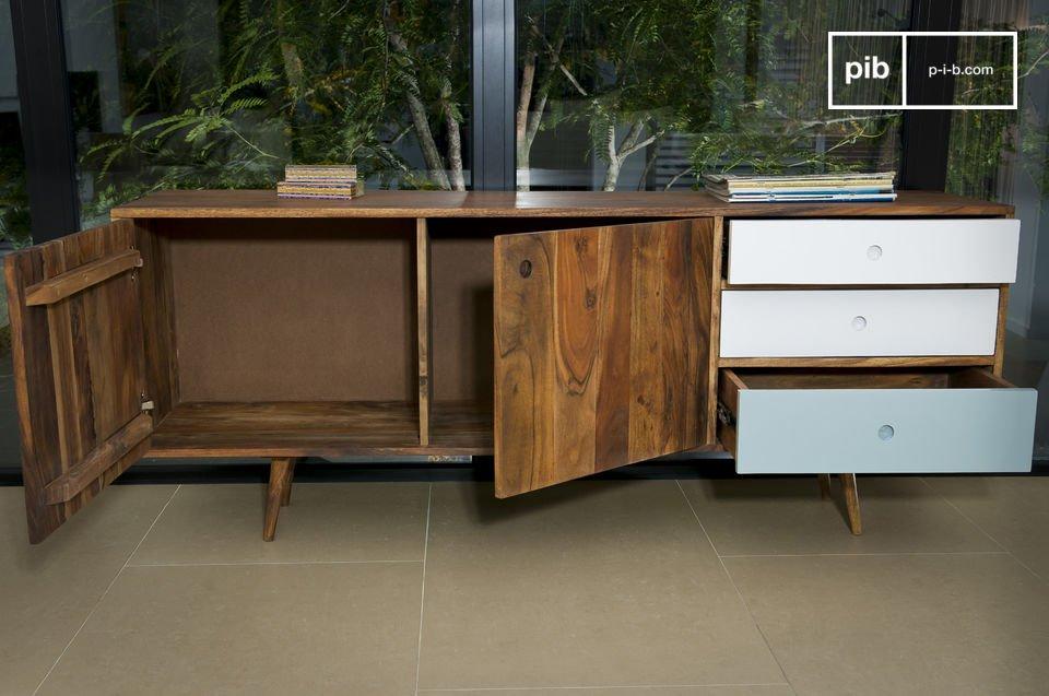 Im typischen Design der 50er-Jahre, 100 % massives Akazienholz
