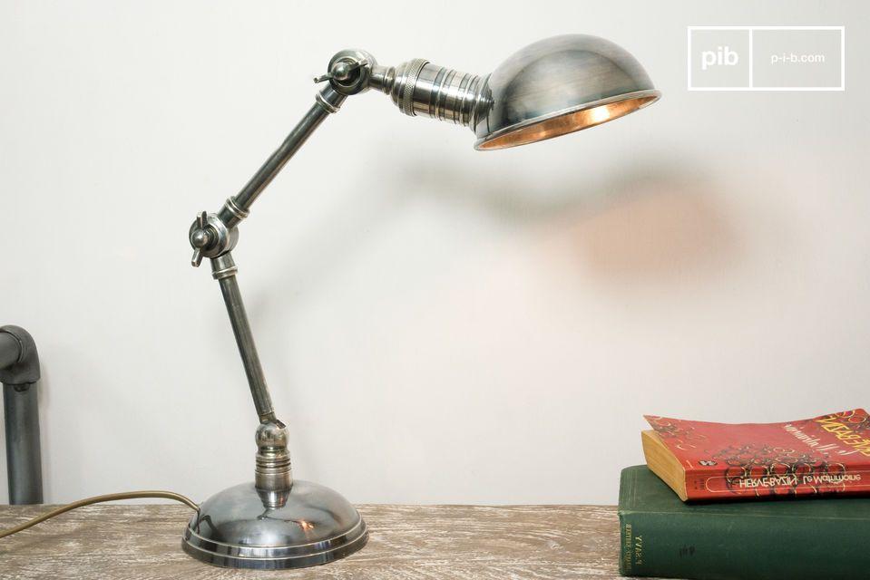 Schwenkbare Leuchte im typischen Vintage-Design