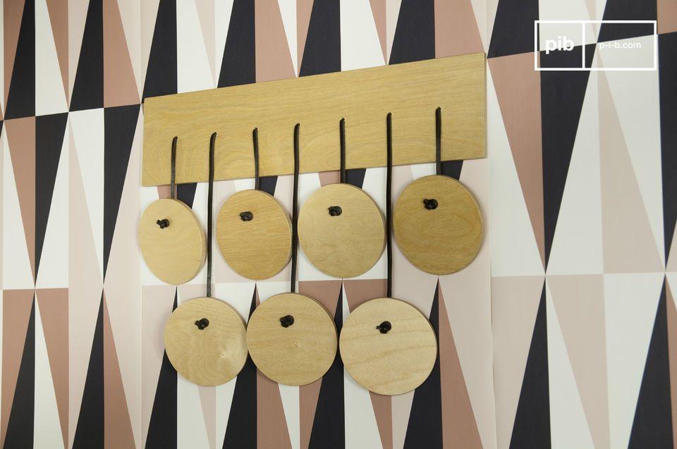 Diese Wandgarderobe wird garantiert Ihre Gäste mit ihrem originellen nordischen Stil überraschen