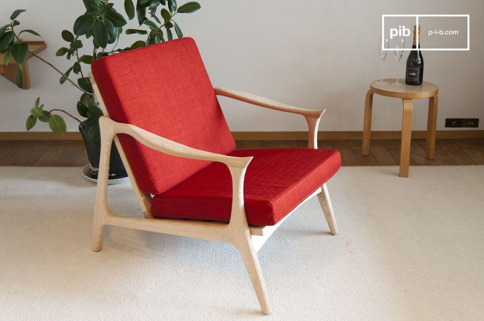 Ein zinnoberroter Sessel mit skandinavischem Charme