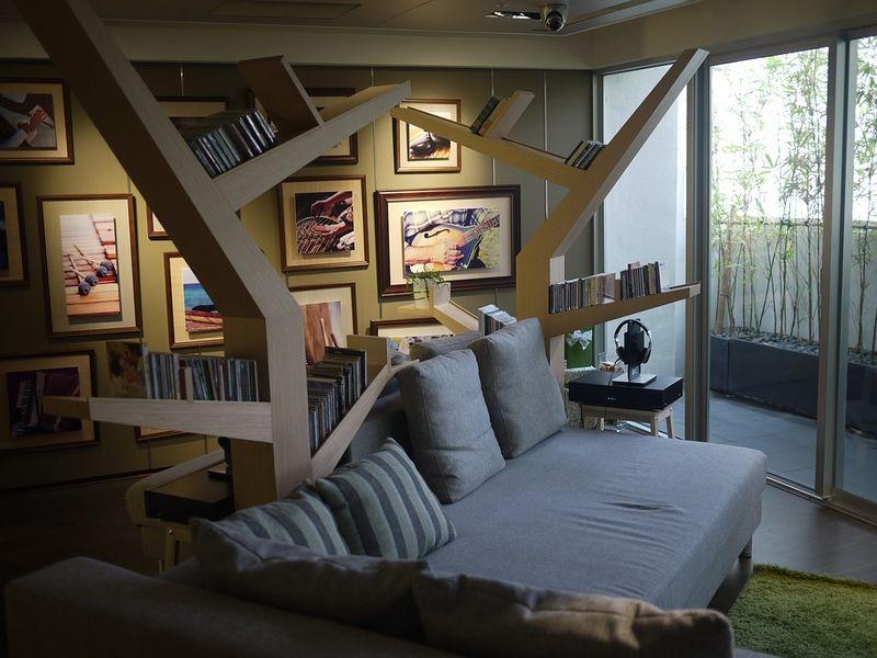 Das Sofa im Landhausstil verspielt und romantisch