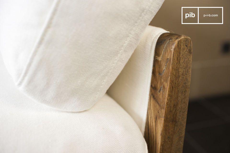 Das Sofa Ariston in Weiß ist ein Wohnzimmermöbel, das luxuriöse Eleganz ausstrahlt
