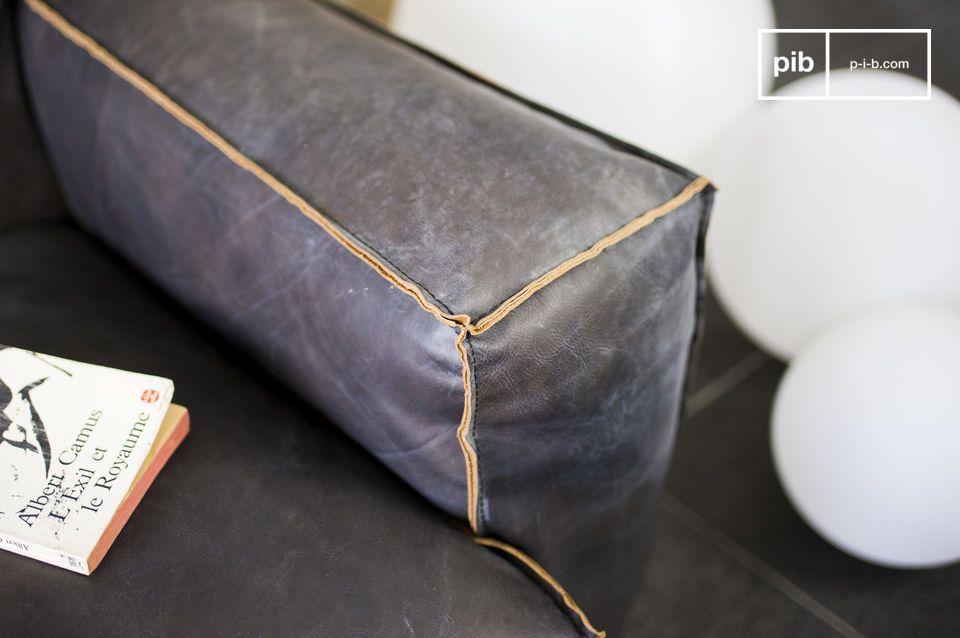 Dieses Sofa Atsullivan ist aus 100% Leder und überzeugt mit seinem wunderschönen Vintage Look