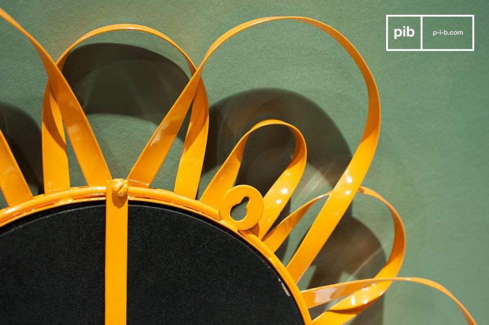 Der Spiegel Aurinko ist ein würdiger Vertreter des skandinavischen Design der zweiten Hälfte des