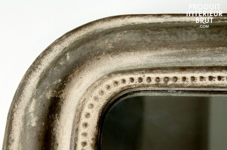 Ein Hauch von patiniertem Metall