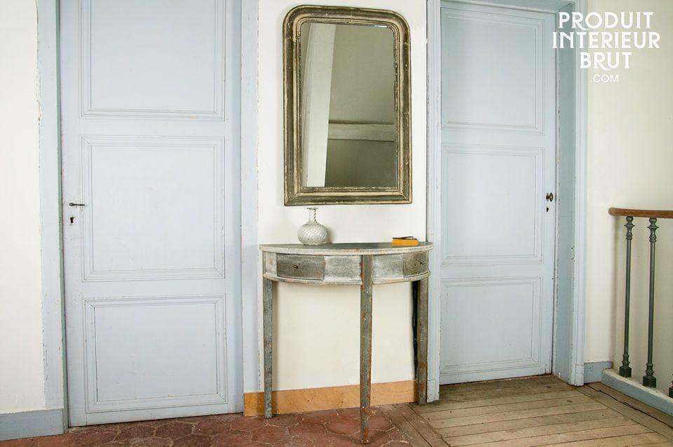 Obwohl die Form des  Design-Spiegels  Clair de Lune nicht außergewöhnlich ist