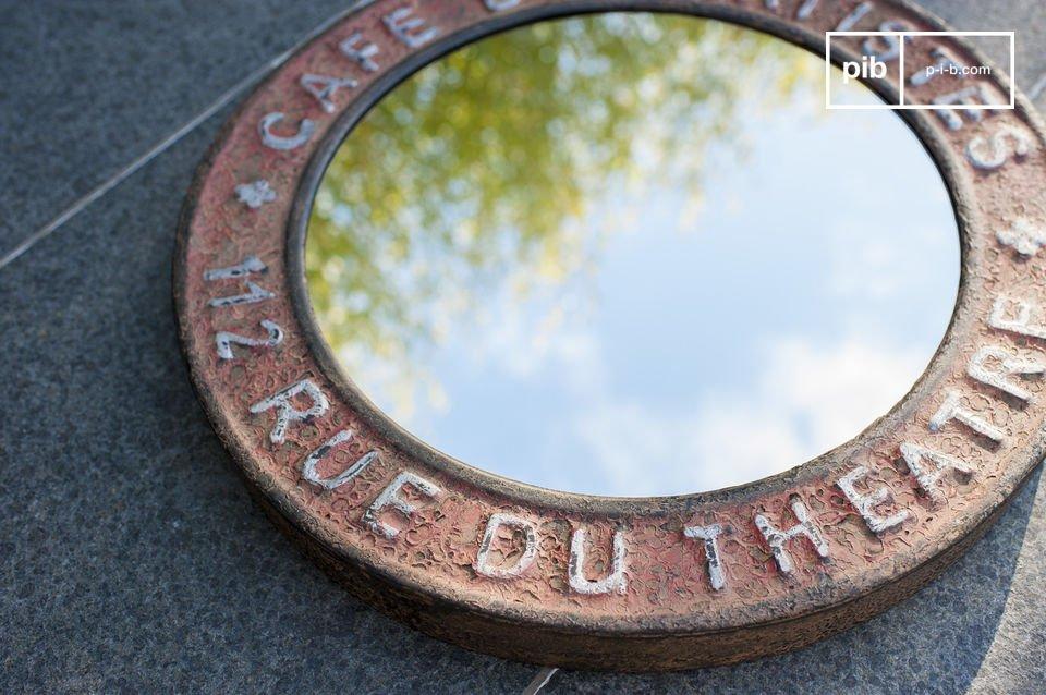 Geben Sie Ihrem Zimmer einen industriellen vintage Charm mit diesem Spiegel! Der Spiegl ist komplett