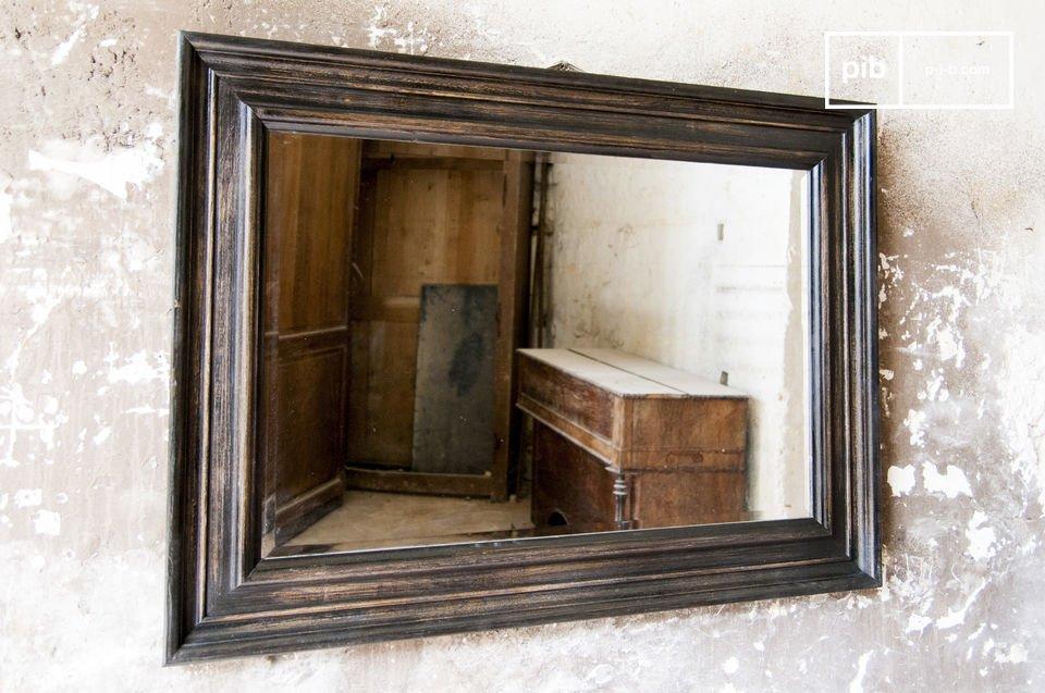 Der Retro Charme eines alten Spiegels