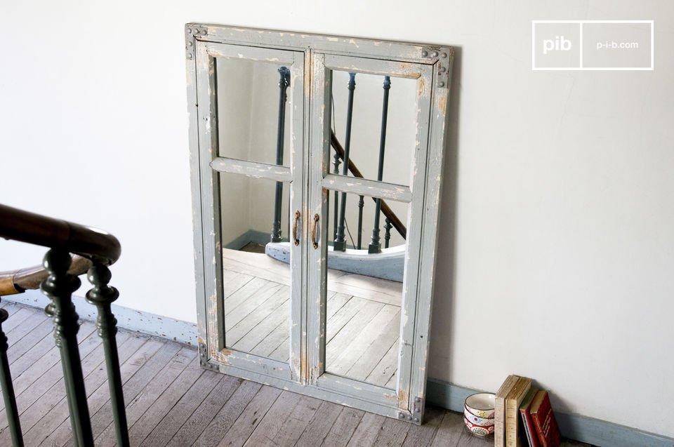 Jedes Detail des Spiegels Sweet Window ist einzigartig und lässt ihn zu einem wahren Unikat werden