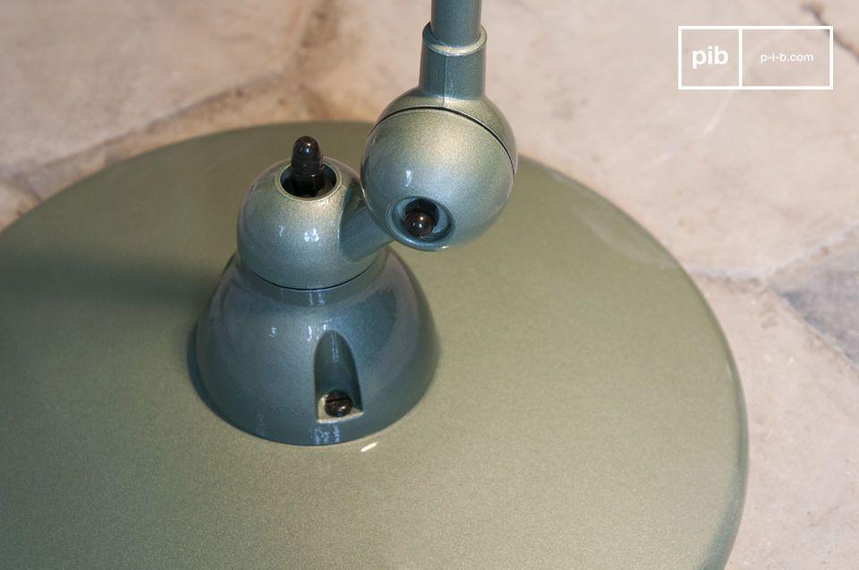 Eine ikonische Leuchte des Industriedesigns des Mitte des 20. Jahrhunderts