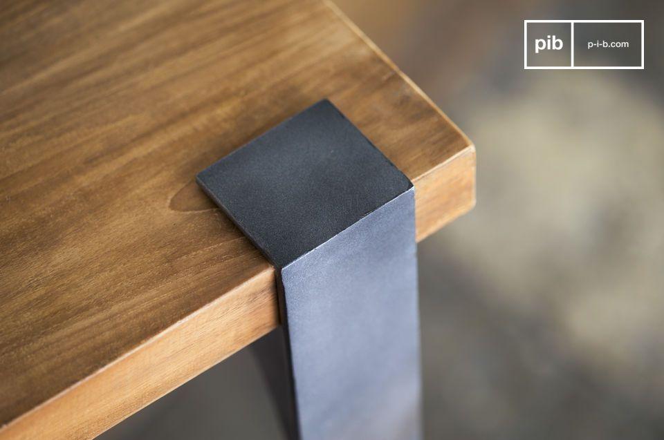 Der Tisch passt harmonisch zu allen möglichen Einrichtungsstils