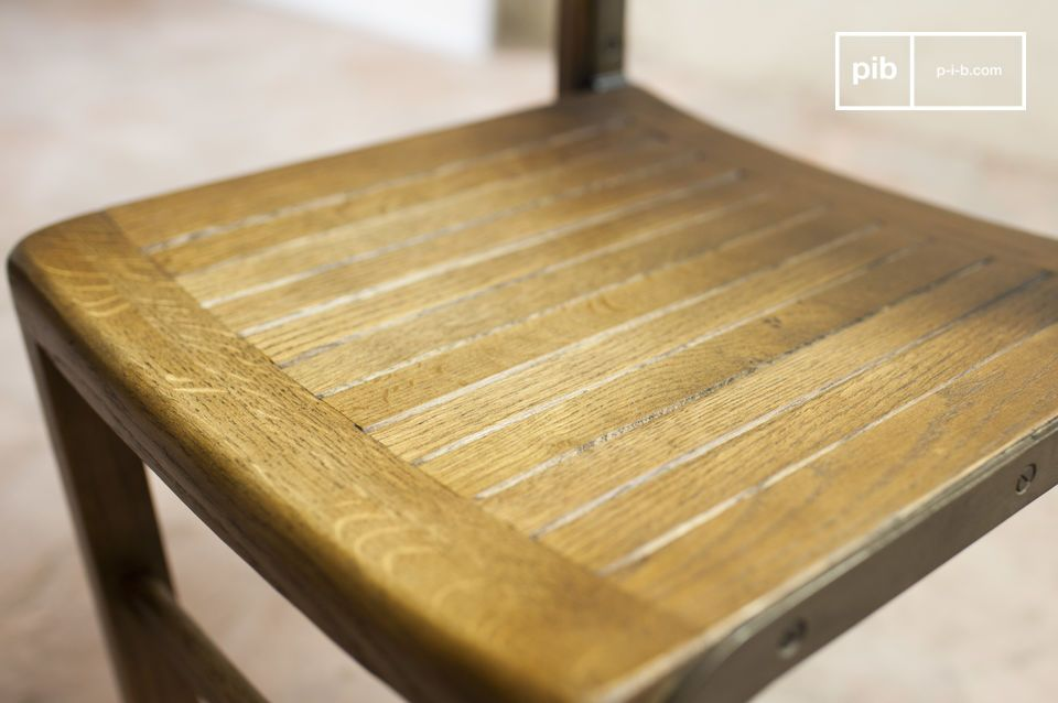Eichenholz, Retrocharme und sorgfältige Verarbeitung