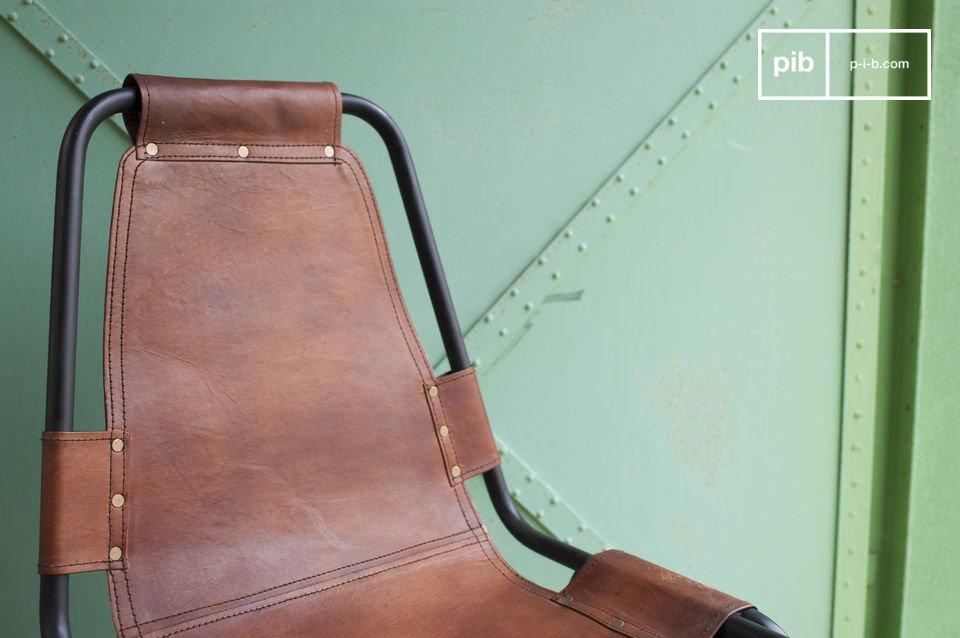 Leder und Metall in der Form eines Loft Möbels