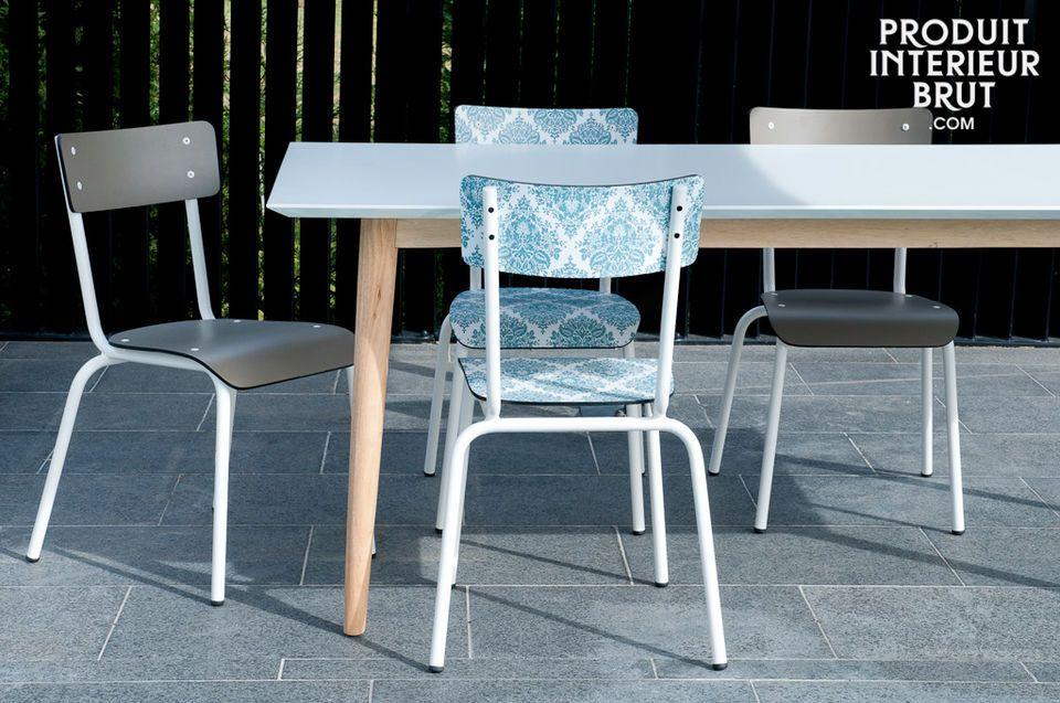 Das trendige Möbelstück ist in knalligen Farben und bunten Motiven erhältlich