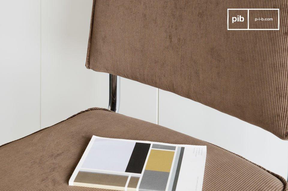 In den 30er Jahren hergestellt entwickelte sich der Trend von Möbeln mit verchromten Metallrohren