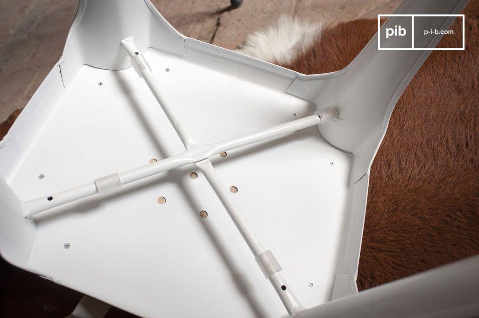 Der Stuhl Multipl\'s harmoniert wunderbar mit Interieurs im Vintage-Industriedesign und modernen