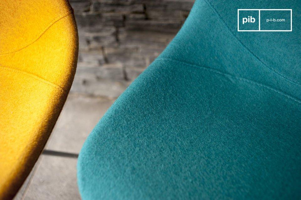 Der Stuhl Piramis ist perfekt geeignet um einem Ess-