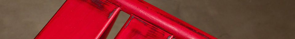 Materialbeschreibung Stuhl Pretty mit roter Patina
