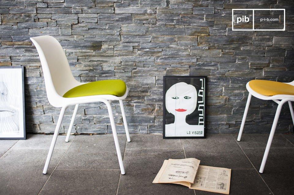 Ein Retro-Neo Designerstuhl für farbenfrohe Deko