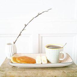 Tassen und weiterer Zubehör von Ferm Living für das Frühstück