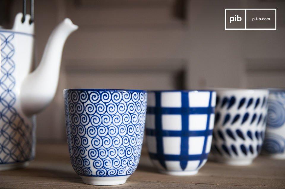 Das Teeservice Hivana besteht aus einer Teekanne und vier Tassen ohne Henkel