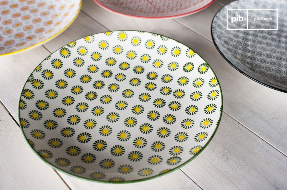 Die flachen runden Teller des Tellerset Julia bringen besonderen retro Charme in Ihr Interieur und