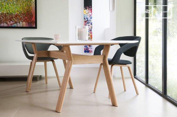Tisch Augstü