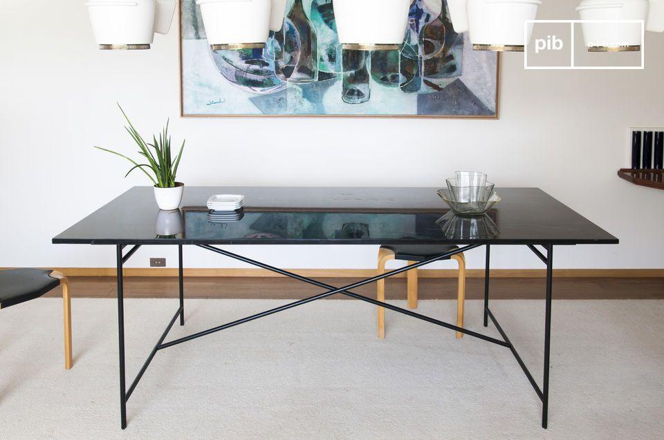 Tisch aus schwarzem Marmor Thorning