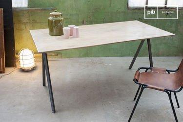 Tisch Jetson