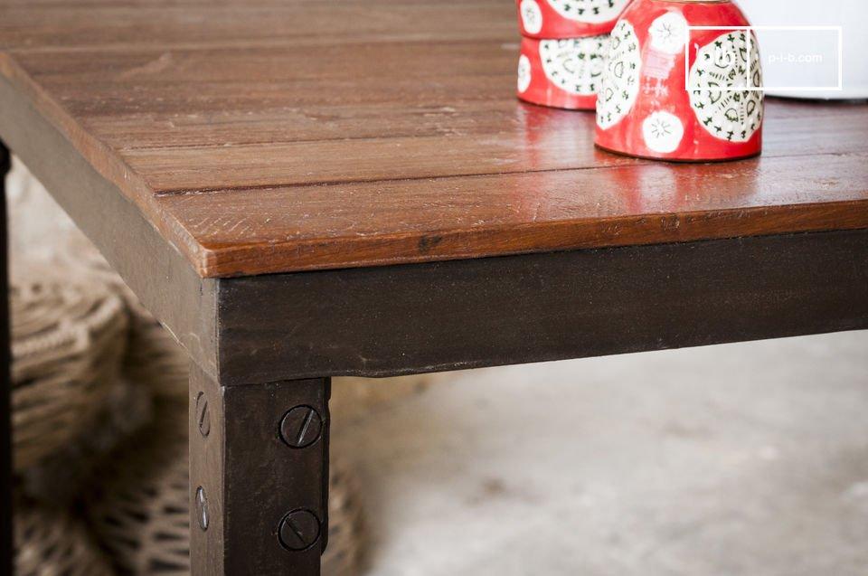 Der Tisch Masaï ist ein Möbel