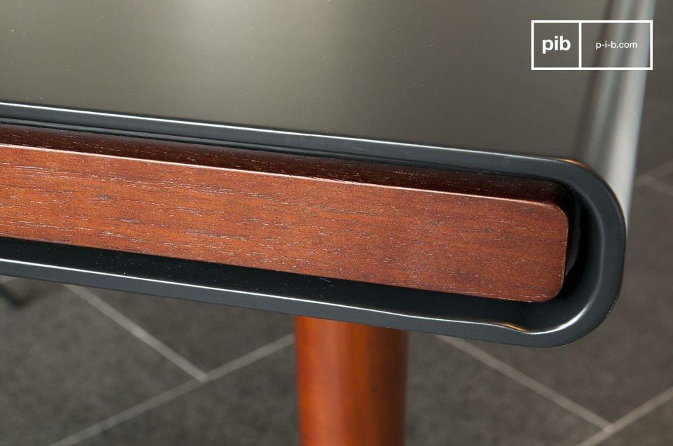 Der Tisch Nordby ist ein tolles Beispiel für die Verwendung des Holzes im skandinavischen