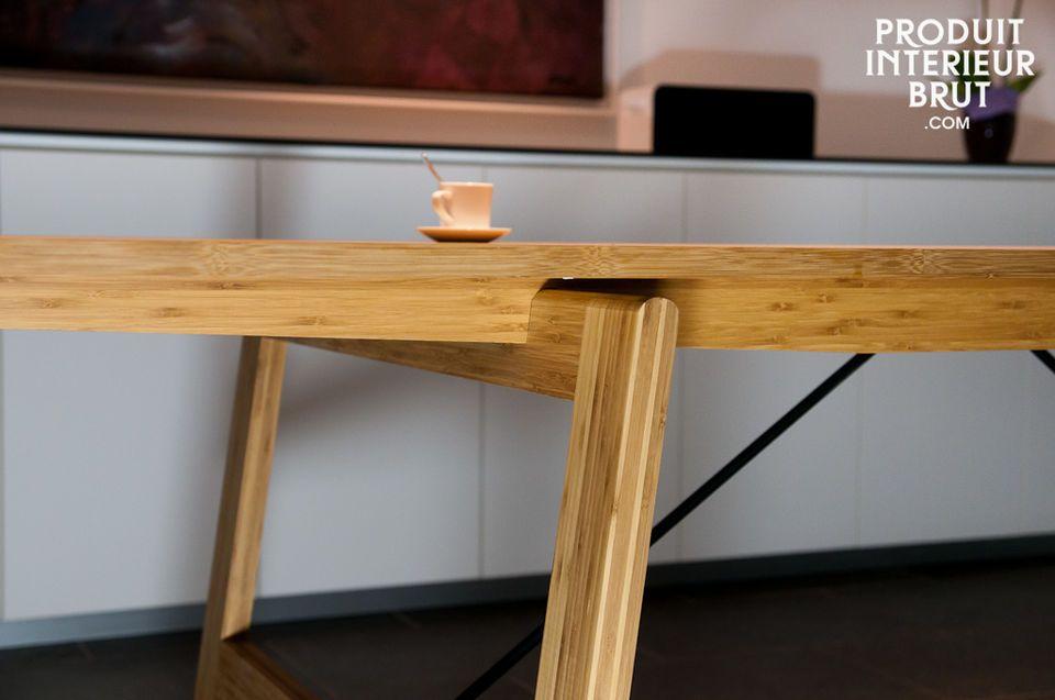 Dieser Tisch verbindet genauso wie die anderen Produkte der Numéro 1 Linie Eleganz