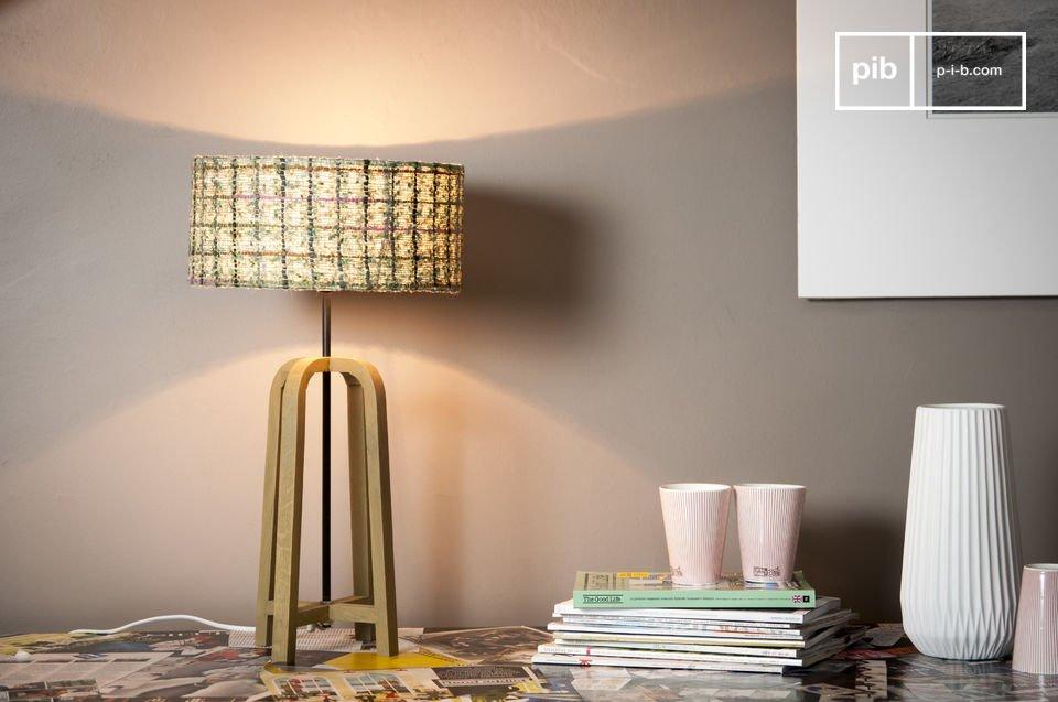 Die Tischlampe Andersen ist eine Leuchte voller Charme, die ein perfektes Beispiel des skandinavischen Möbeldesigns ist